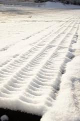 積雪した溝蓋