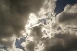 曇り空 暗め